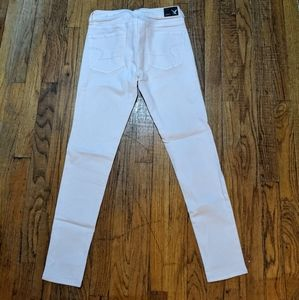 White American Eagle Outfitter Jeans
